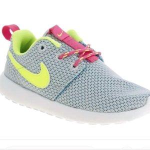 reputable site 0c0e5 3646b Nike. Nike Roshe One Gray Neon ...